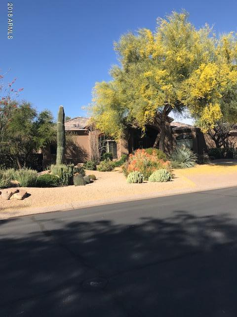 7131 E Foothill Drive N, Paradise Valley, AZ 85253 (MLS #5753297) :: Sibbach Team - Realty One Group