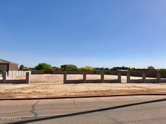 24446 N 71st Avenue, Peoria, AZ 85383 (MLS #5754402) :: Sibbach Team - Realty One Group