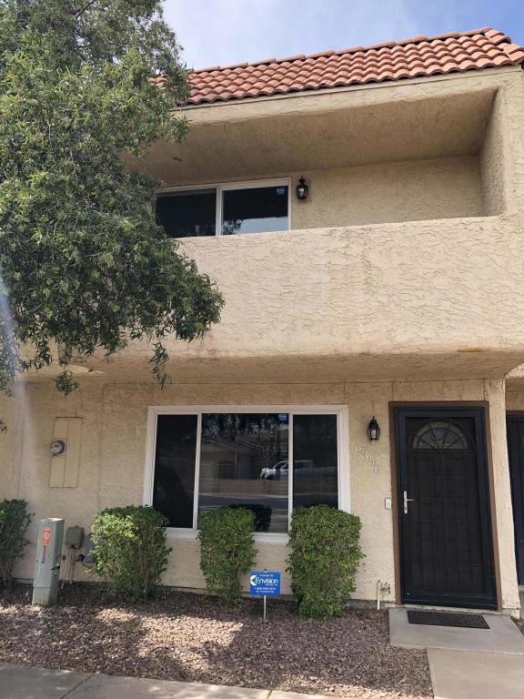 6356 N 47TH Avenue, Glendale, AZ 85301 (MLS #5754925) :: Santizo Realty Group