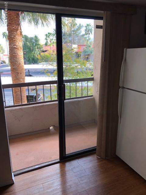 9460 N 92ND Street E #203, Scottsdale, AZ 85258 (MLS #5758872) :: Brett Tanner Home Selling Team