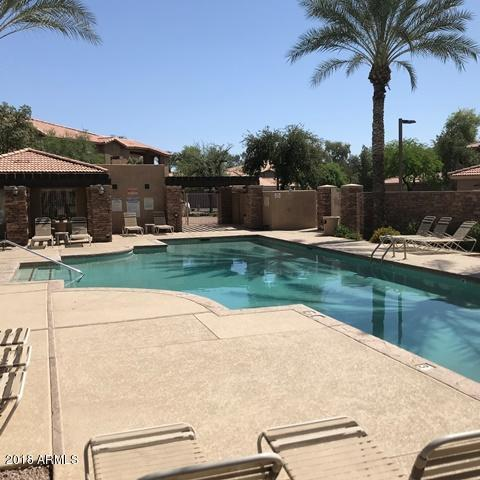 2155 N Grace Boulevard #105, Chandler, AZ 85225 (MLS #5760544) :: The Laughton Team