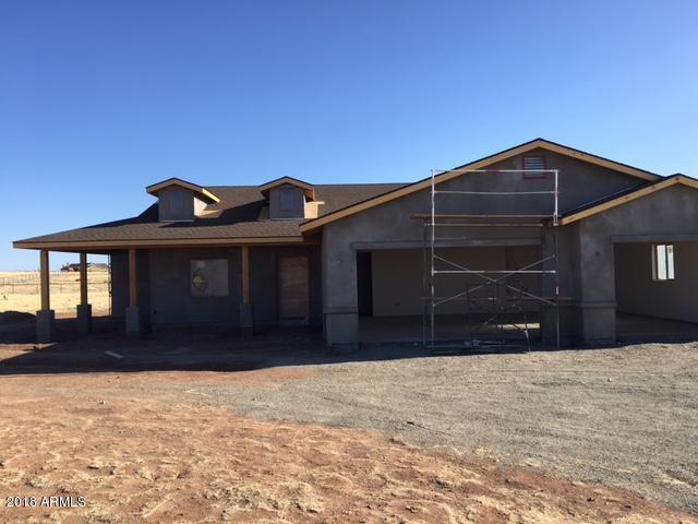 9937 E Lonesome Valley Road, Prescott Valley, AZ 86315 (MLS #5763037) :: Conway Real Estate