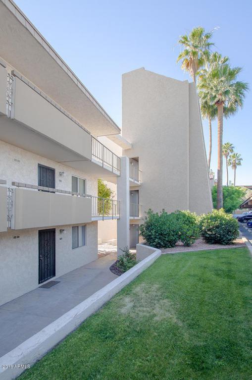7625 E Camelback Road A110, Scottsdale, AZ 85251 (MLS #5763647) :: The Laughton Team