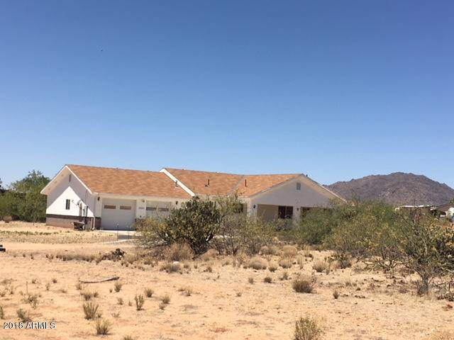 22620 W Hylton Way, Congress, AZ 85332 (MLS #5768445) :: Keller Williams Legacy One Realty