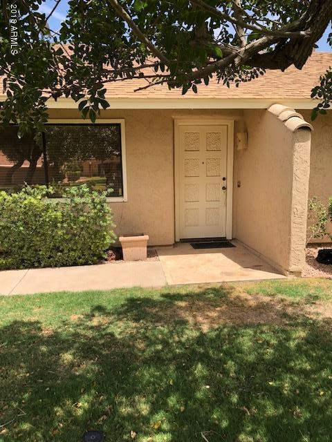 203 S Leisure World Road #203, Mesa, AZ 85206 (MLS #5769413) :: Brett Tanner Home Selling Team