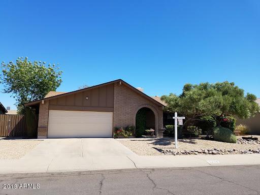 6204 W Larkspur Drive, Glendale, AZ 85304 (MLS #5771535) :: Lux Home Group at  Keller Williams Realty Phoenix