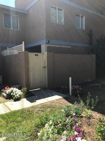 6902 W Monterosa Street #1260, Phoenix, AZ 85033 (MLS #5771996) :: Yost Realty Group at RE/MAX Casa Grande
