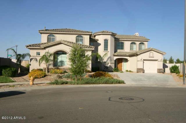 4471 S Roy Rogers Way, Gilbert, AZ 85297 (MLS #5775823) :: My Home Group