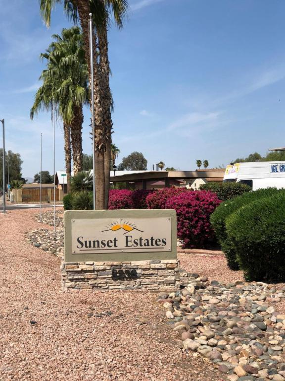 5236 W Peoria Avenue #212, Glendale, AZ 85302 (MLS #5779864) :: My Home Group