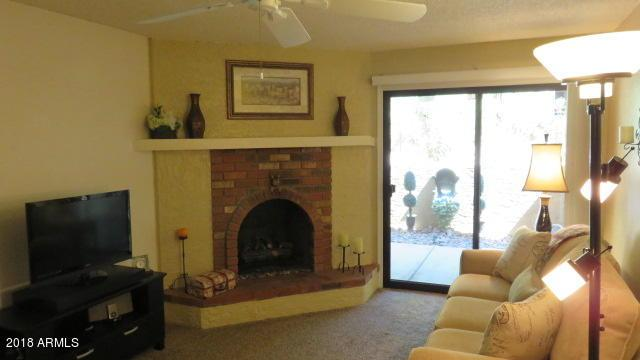 3031 N Civic Center Plaza #122, Scottsdale, AZ 85251 (MLS #5781896) :: Essential Properties, Inc.