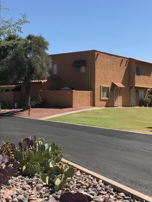 10201 N 8TH Place A, Phoenix, AZ 85020 (MLS #5785706) :: The Garcia Group @ My Home Group