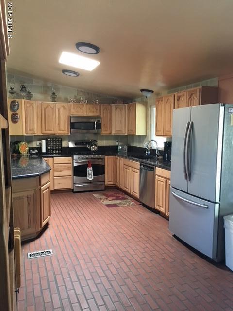 19654 N 29th Way, Phoenix, AZ 85050 (MLS #5793903) :: Arizona Best Real Estate