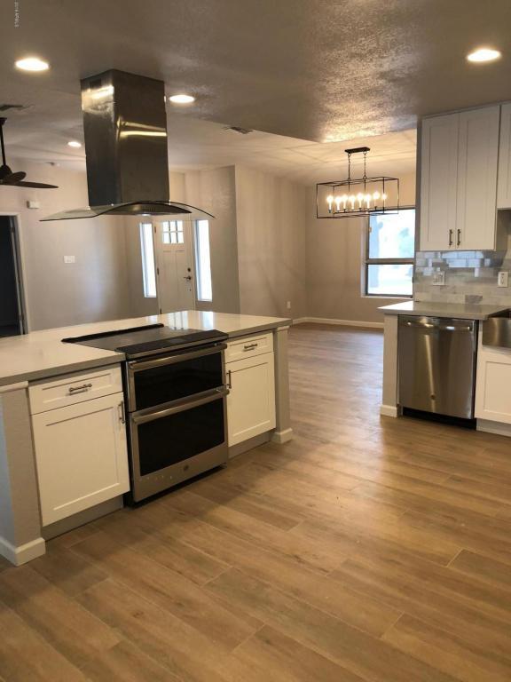 8427 N 17TH Place, Phoenix, AZ 85020 (MLS #5794277) :: Santizo Realty Group