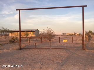 2825 S 358TH Avenue, Tonopah, AZ 85354 (MLS #5796461) :: The Daniel Montez Real Estate Group