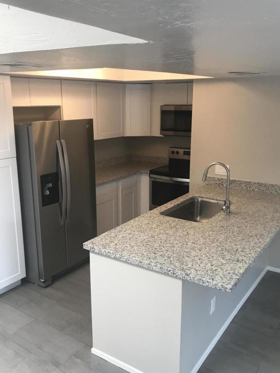 2935 N 68TH Street #221, Scottsdale, AZ 85251 (MLS #5796503) :: Berkshire Hathaway Home Services Arizona Properties