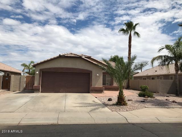 724 E Iris Drive, Gilbert, AZ 85296 (MLS #5796607) :: Yost Realty Group at RE/MAX Casa Grande