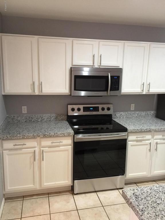 16048 W Jackson Street, Goodyear, AZ 85338 (MLS #5796871) :: The Daniel Montez Real Estate Group