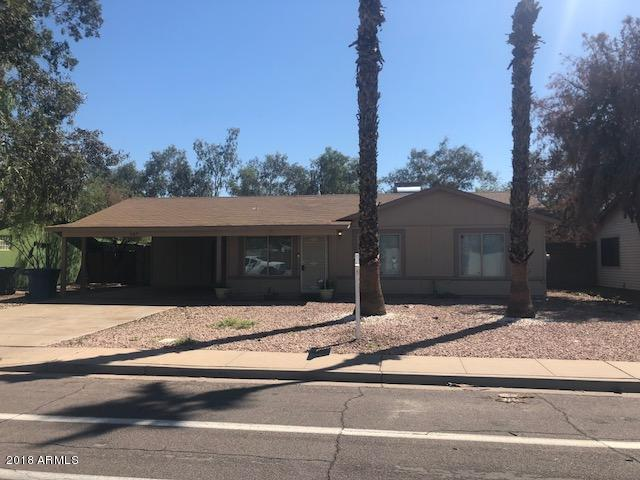 207 N Country Club Way, Chandler, AZ 85226 (MLS #5816085) :: Kortright Group - West USA Realty