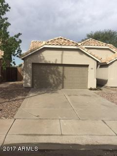 3240 W Golden Lane, Chandler, AZ 85226 (MLS #5824693) :: Sibbach Team - Realty One Group