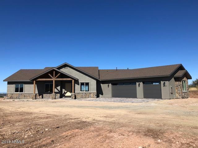 9550 N Sportsman Way, Prescott Valley, AZ 86315 (MLS #5833797) :: The Laughton Team