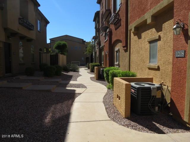 2401 E Rio Salado Parkway #1208, Tempe, AZ 85281 (MLS #5842487) :: The Daniel Montez Real Estate Group