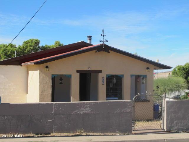 828 S Stone Avenue, Superior, AZ 85173 (MLS #5844398) :: Riddle Realty Group - Keller Williams Arizona Realty