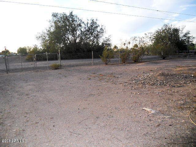 1321 E 20TH Avenue, Apache Junction, AZ 85119 (MLS #5847369) :: Yost Realty Group at RE/MAX Casa Grande