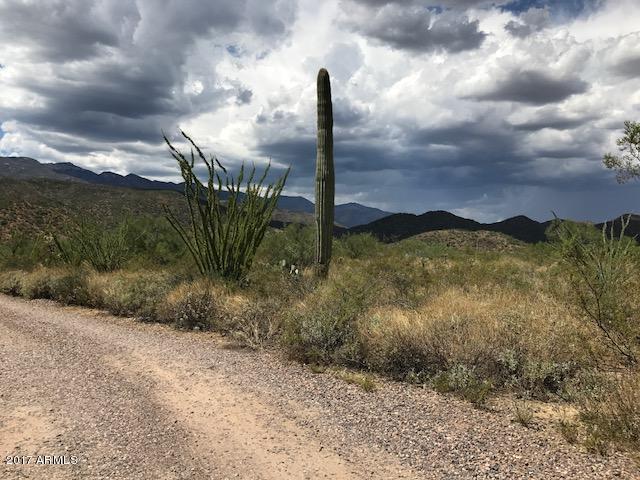 32000 S Maggie Mine Road, Black Canyon City, AZ 85324 (MLS #5851258) :: RE/MAX Excalibur