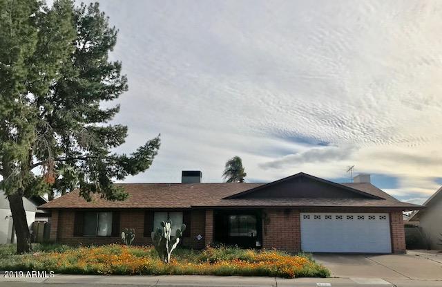 215 E Helena Drive, Phoenix, AZ 85022 (MLS #5884800) :: Yost Realty Group at RE/MAX Casa Grande