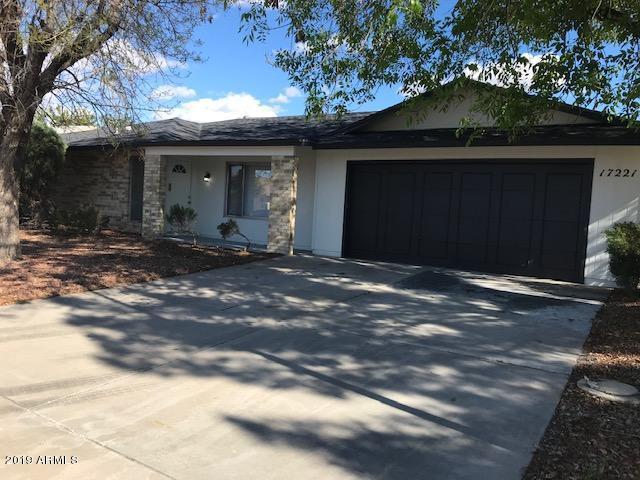 17221 N Lime Rock Drive, Sun City, AZ 85373 (MLS #5885521) :: The Ford Team
