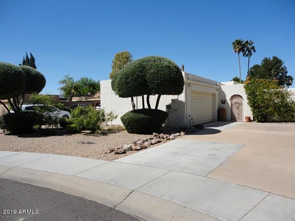 7240 E Manzanita Drive, Scottsdale, AZ 85258 (MLS #5888518) :: Yost Realty Group at RE/MAX Casa Grande