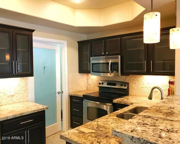 17017 N 12TH Street #2111, Phoenix, AZ 85022 (MLS #5895421) :: Lux Home Group at  Keller Williams Realty Phoenix