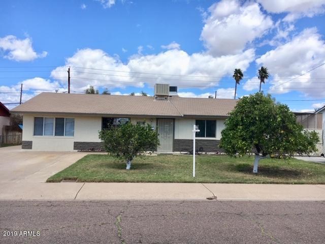 6944 W College Drive, Phoenix, AZ 85033 (MLS #5895906) :: Keller Williams Realty Phoenix