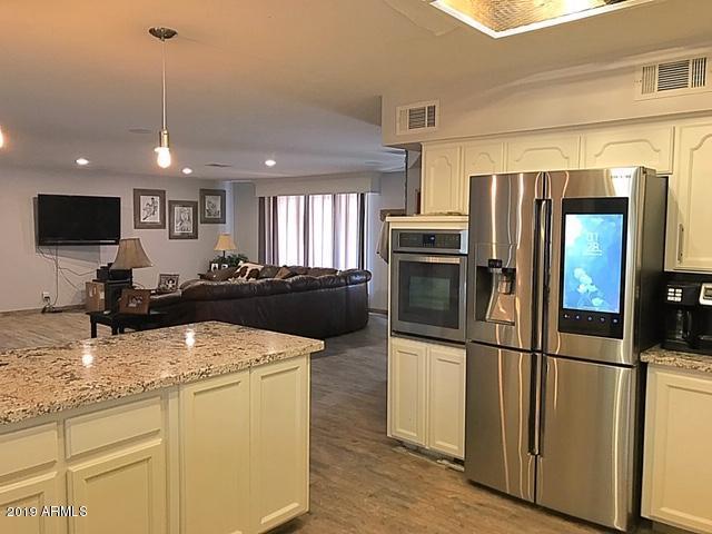 7820 W Pinnacle Peak Road, Peoria, AZ 85383 (MLS #5900294) :: Phoenix Property Group