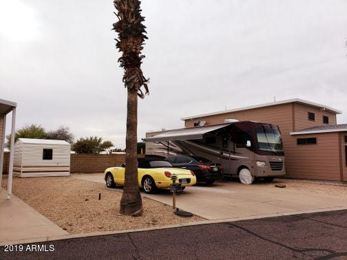 17200 W Bell Road, Surprise, AZ 85374 (MLS #5904378) :: Yost Realty Group at RE/MAX Casa Grande
