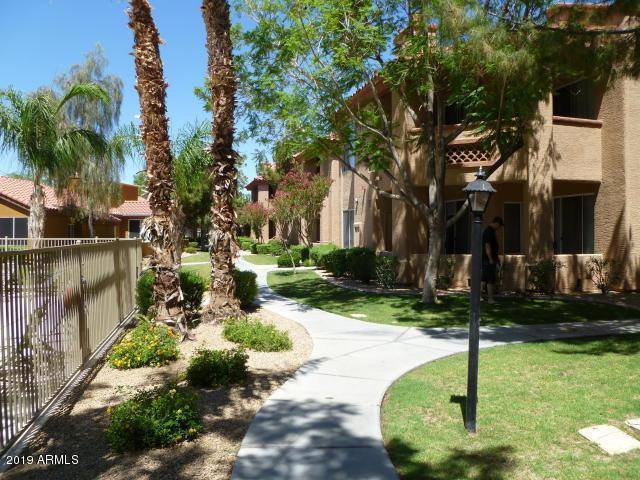 2929 W Yorkshire Drive #2011, Phoenix, AZ 85027 (MLS #5906898) :: Yost Realty Group at RE/MAX Casa Grande
