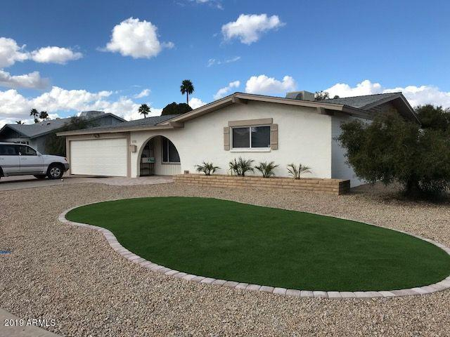 1876 E Watson Drive, Tempe, AZ 85283 (MLS #5909193) :: CC & Co. Real Estate Team