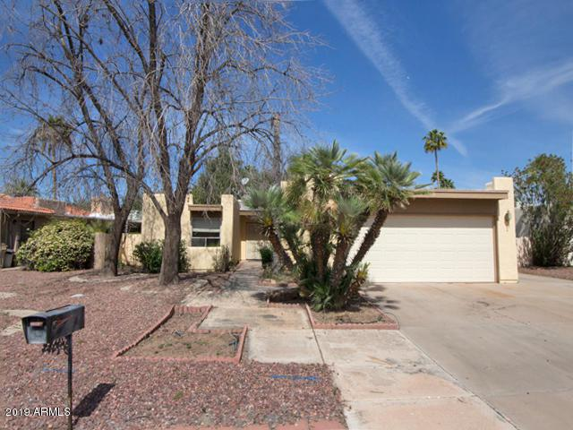 26018 S 99TH Drive, Sun Lakes, AZ 85248 (MLS #5910159) :: Yost Realty Group at RE/MAX Casa Grande