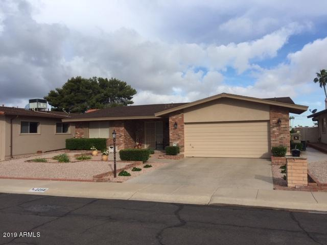 2256 N Middlecoff Drive, Mesa, AZ 85215 (MLS #5913646) :: The Bill and Cindy Flowers Team