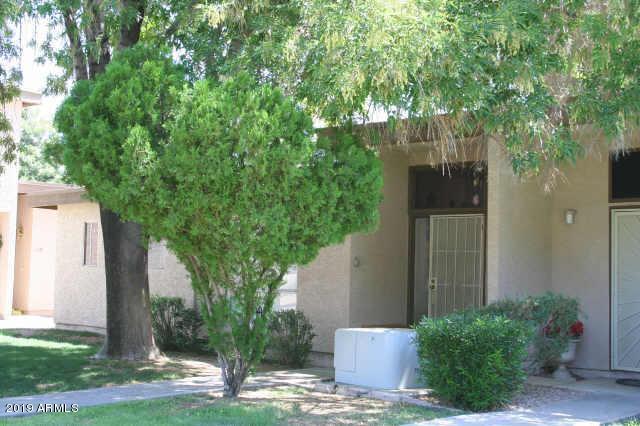 1051 S Dobson Road #221, Mesa, AZ 85202 (MLS #5916926) :: The Kathem Martin Team