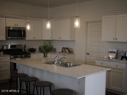 3218 W Glendale Avenue #8, Phoenix, AZ 85051 (MLS #5930718) :: neXGen Real Estate