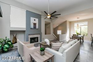 8989 N Gainey Center Drive #202, Scottsdale, AZ 85258 (MLS #5940576) :: The Bill and Cindy Flowers Team