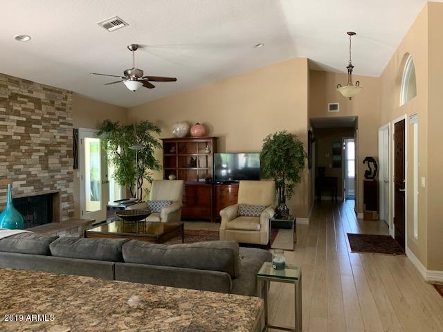 10547 E San Salvador Drive, Scottsdale, AZ 85258 (MLS #5943701) :: Kortright Group - West USA Realty