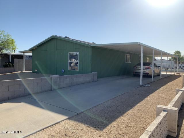 18022 N 3RD Place, Phoenix, AZ 85022 (MLS #5944092) :: Power Realty Group Model Home Center
