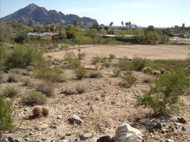 6825 N 39TH Place, Paradise Valley, AZ 85253 (MLS #5949591) :: Revelation Real Estate