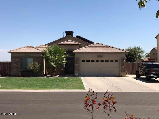 10121 E Hay Loft Road, Florence, AZ 85132 (MLS #5952885) :: Occasio Realty