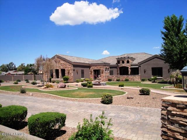 10793 E Santa Fe Trail, Scottsdale, AZ 85262 (MLS #5964025) :: The Kenny Klaus Team