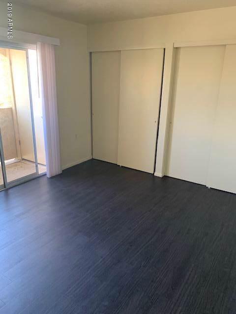 12221 W Bell Road #306, Surprise, AZ 85378 (MLS #5968067) :: CC & Co. Real Estate Team