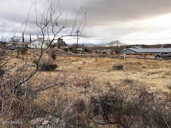 501 W Spring Street, Kingman, AZ 86401 (MLS #5969249) :: Openshaw Real Estate Group in partnership with The Jesse Herfel Real Estate Group