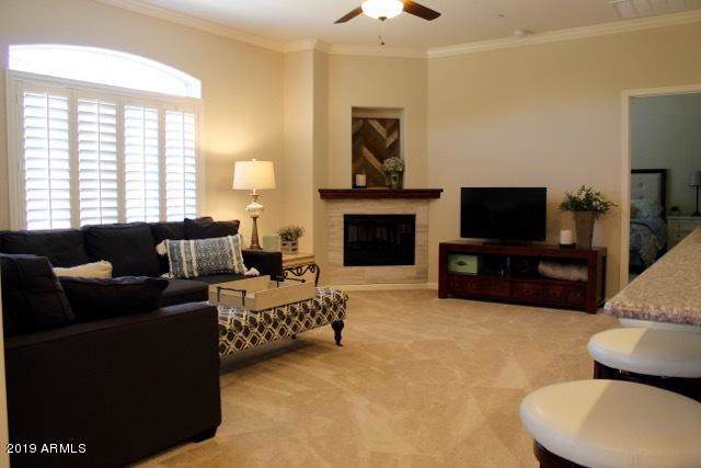 900 S Canal Drive #219, Chandler, AZ 85225 (MLS #5971555) :: The W Group